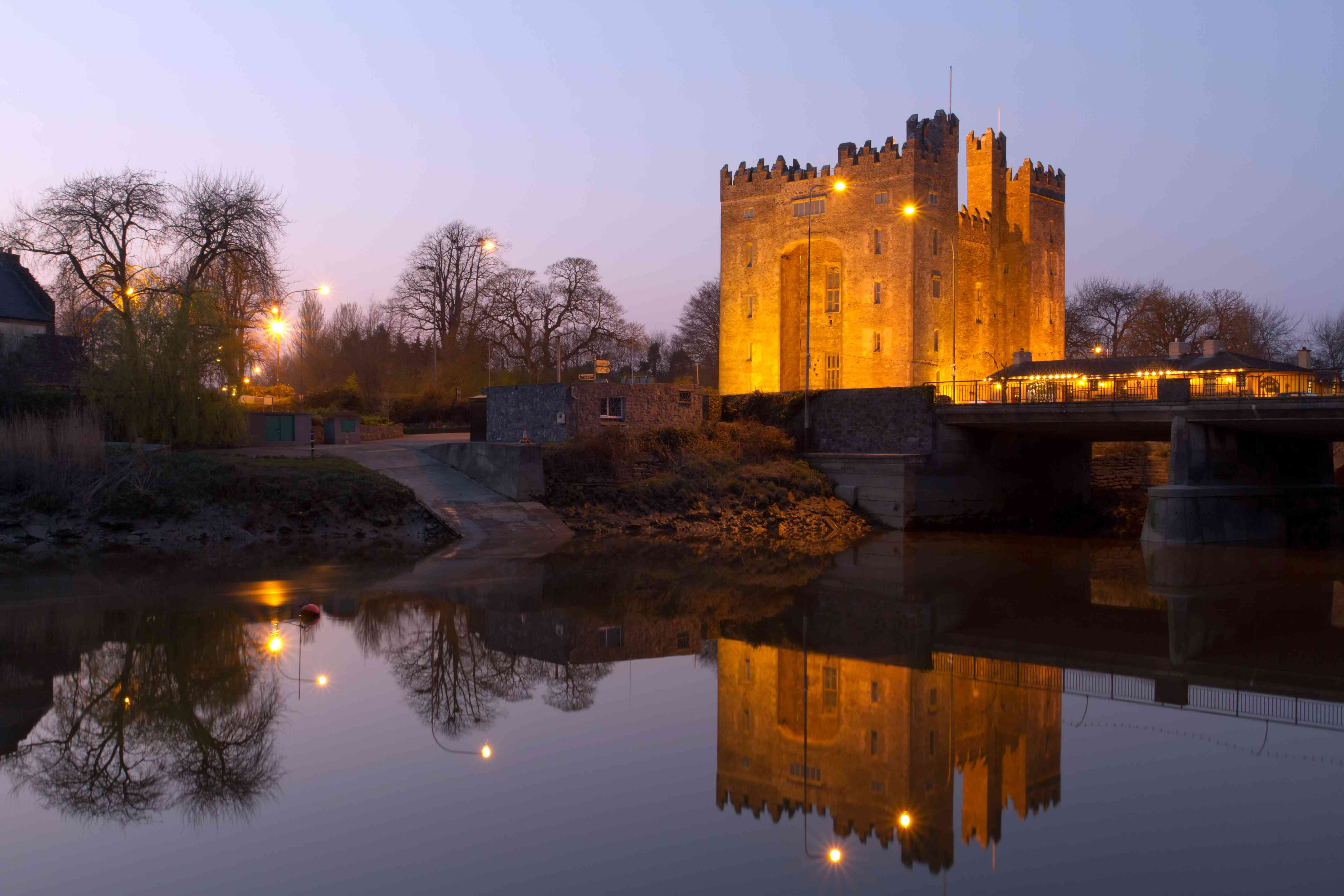 Bunratty castle at dusk