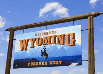 How to get from Denver to Cheyenne