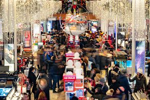 Stores Open Evening Of Thanksgiving For Early Black Friday Sales