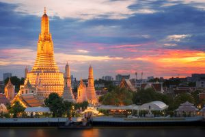 Wat Arun(Temple of dawn)and the Chao Phraya River