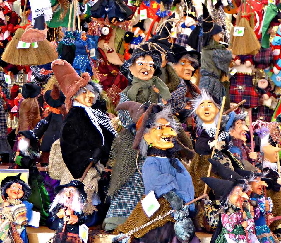La Befana dolls on sale in Italy