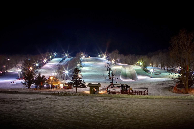 Night skiing at Horseshoe Valley Ski Resort, Ontario, Canada