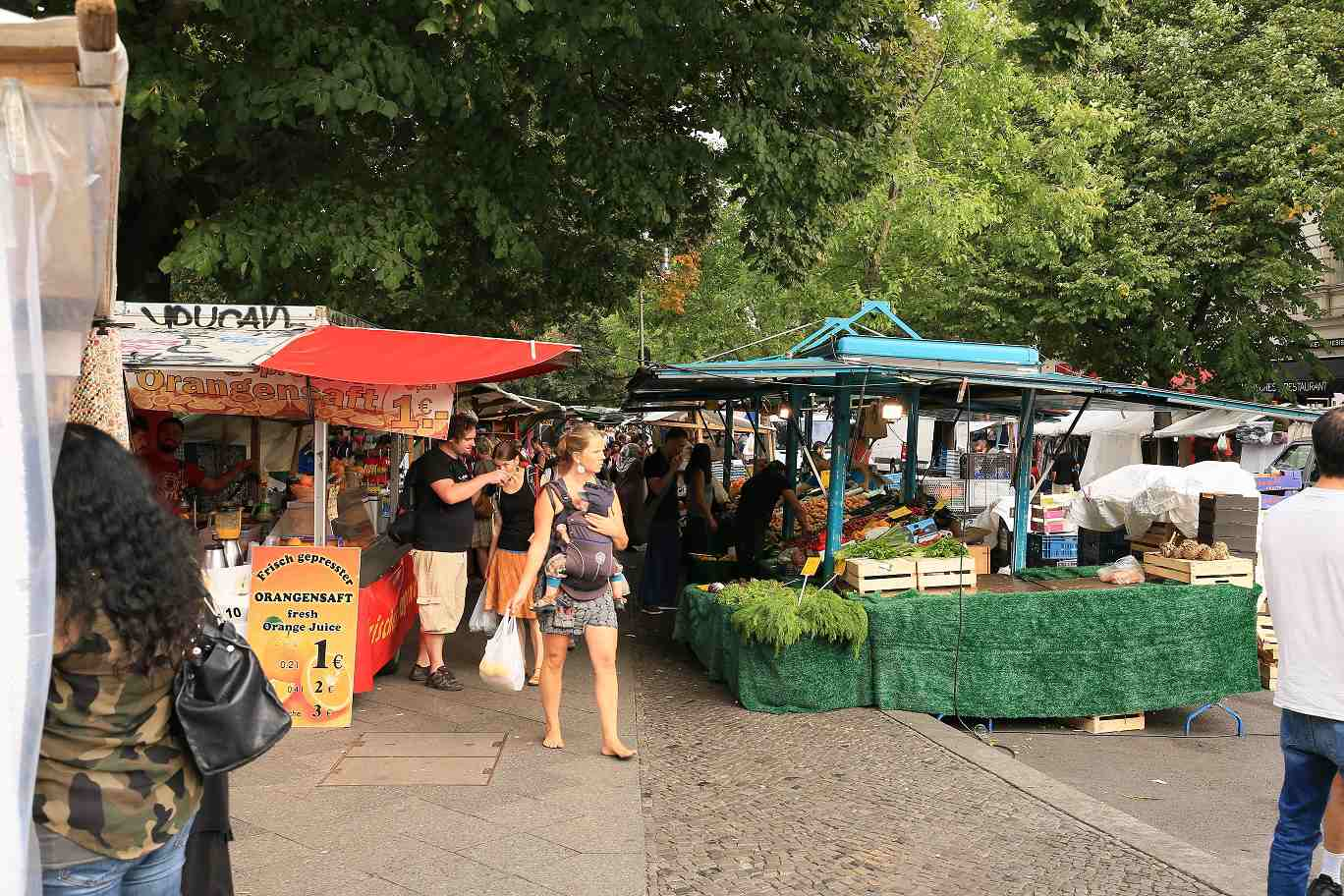 Neukoelln -Murchurish Market Maybachufer