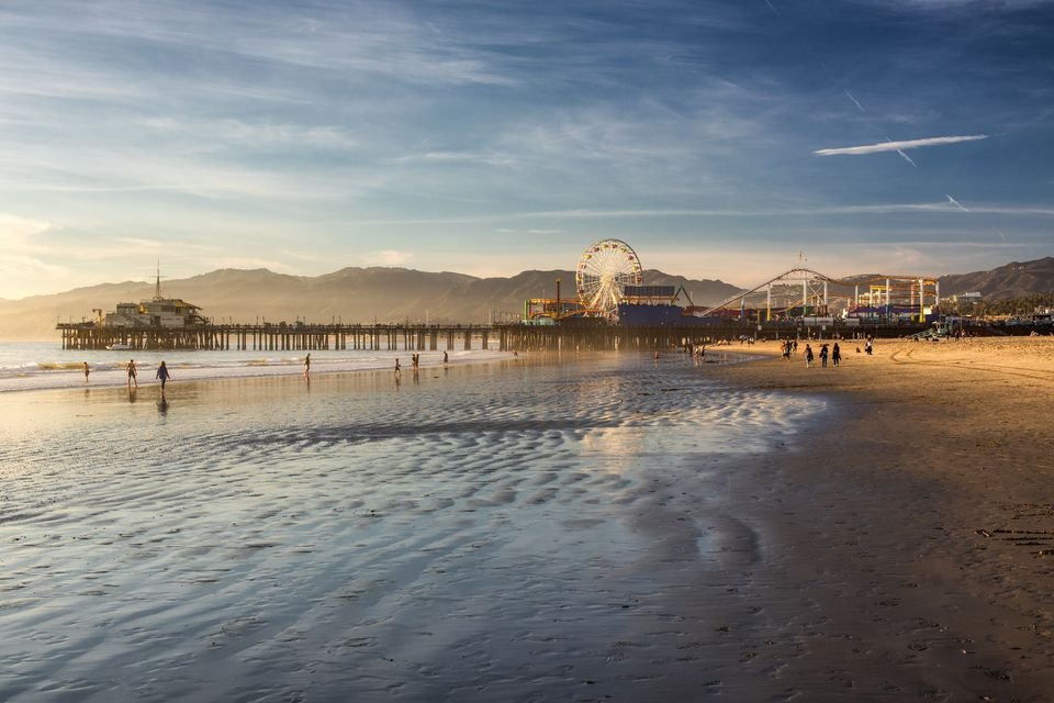 where to eat at the santa monica pier in santa monica. Black Bedroom Furniture Sets. Home Design Ideas