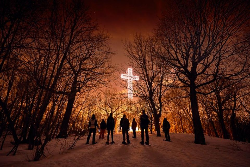 Montreal winter forest treks in 2018 can be done by snowshoe, by foot, and sometimes by cross-country skis.