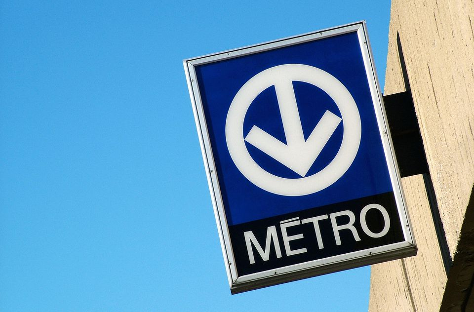 traveling on montreal 39 s public transit system. Black Bedroom Furniture Sets. Home Design Ideas