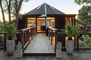 Mindy Kaling Airbnb treehouse Aptos California