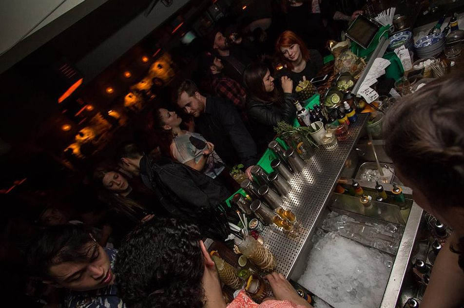 Montreal Chinatown nightlife include bars like Le Mal Nécessaire and Luwan.