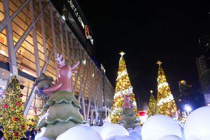 Christmas decorations in Bangkok outside CentralWorld