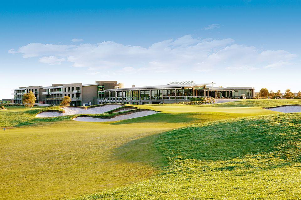Top 6 Scenic Australian Golf Courses