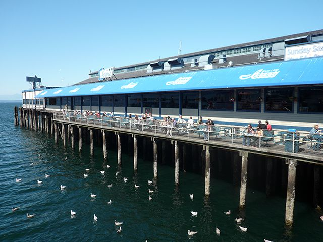 Pier 54 e Ivar's Acres of Clams in Seattle