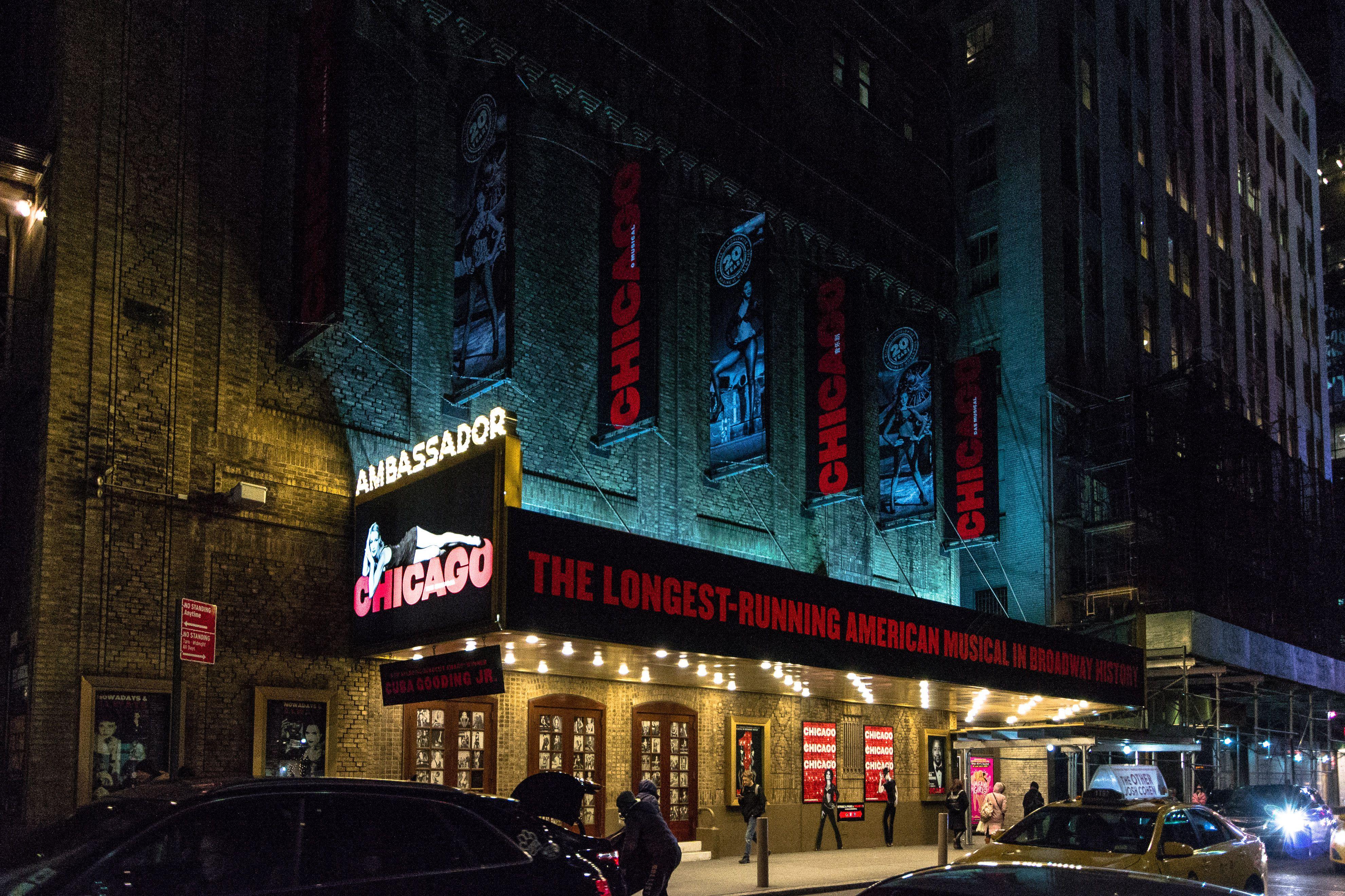 Luces de teatro donde juega Chicago
