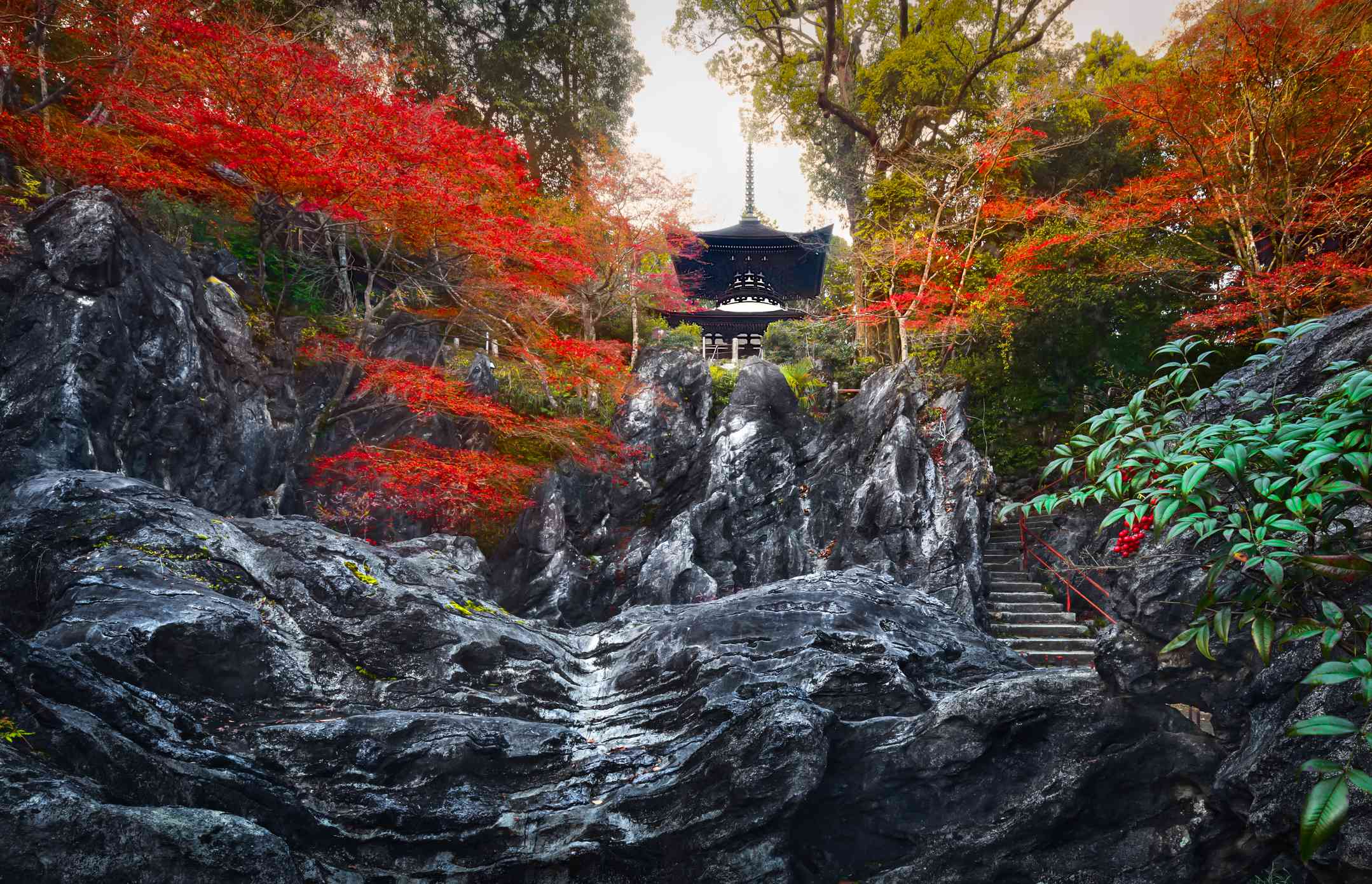 rocky entrance and stairs leading to Ishiyama-dera Temple