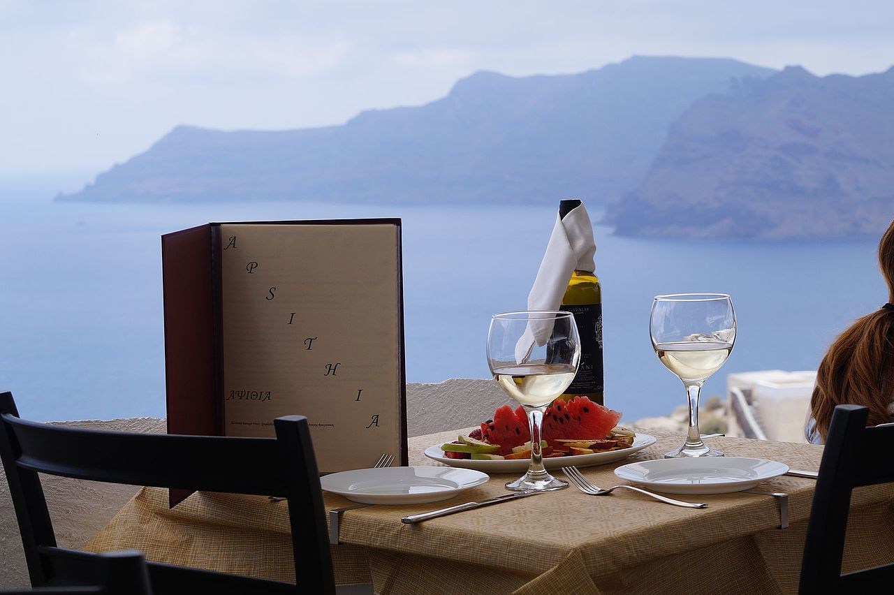 Apisthia Restaurant in Santorini
