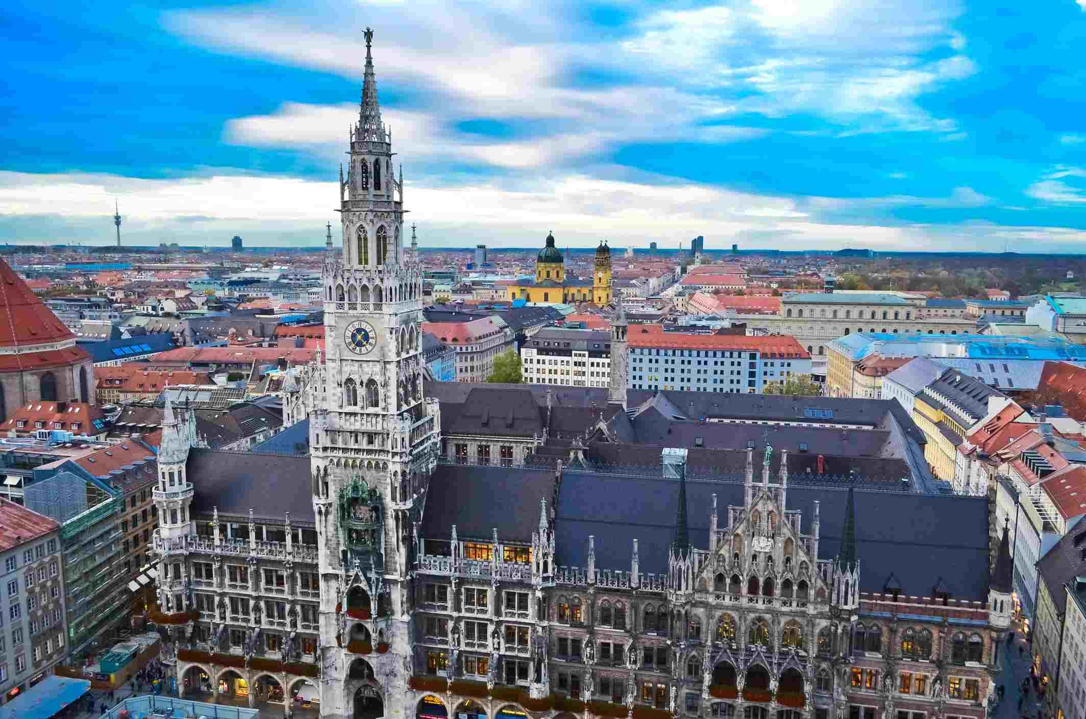 Munich Marienplatz and Glockenspiel