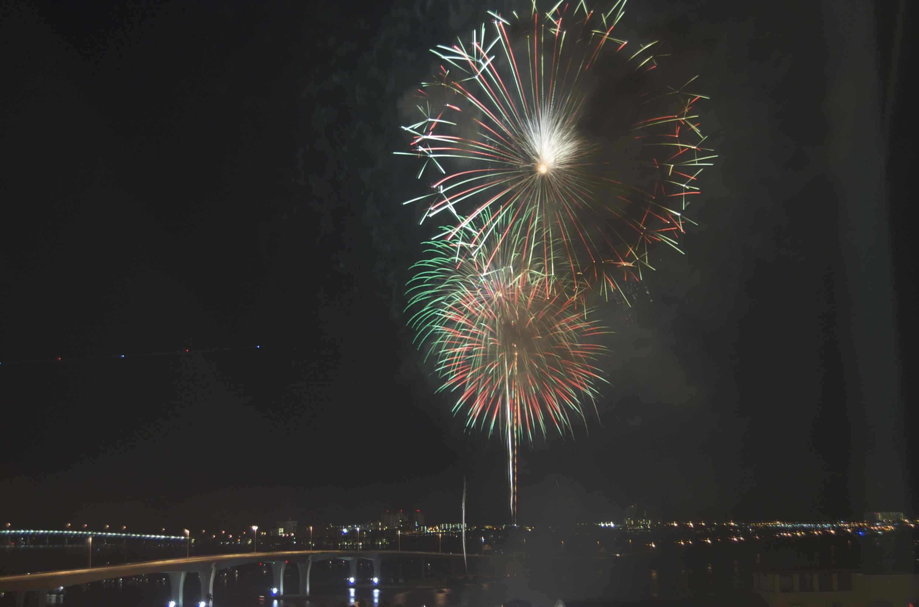Fuegos artificiales del 4 de julio en Clearwater, Florida