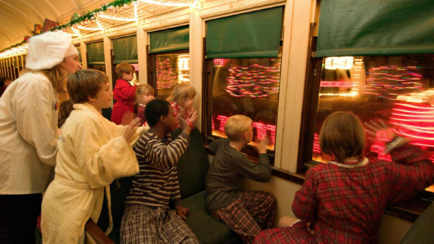 What To Expect On A Polar Express Christmas Train