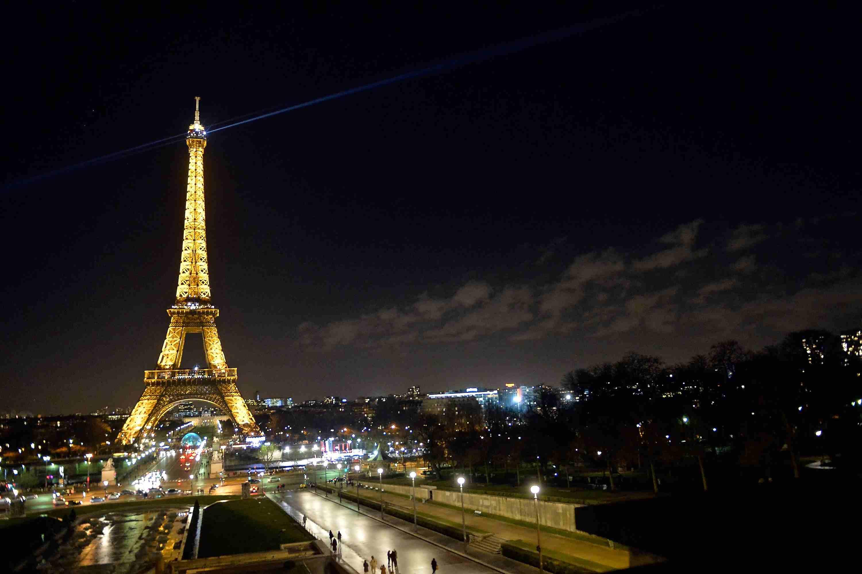 La Torre Eiffel: una vez despreciada, ahora abrazada como un símbolo del París moderno