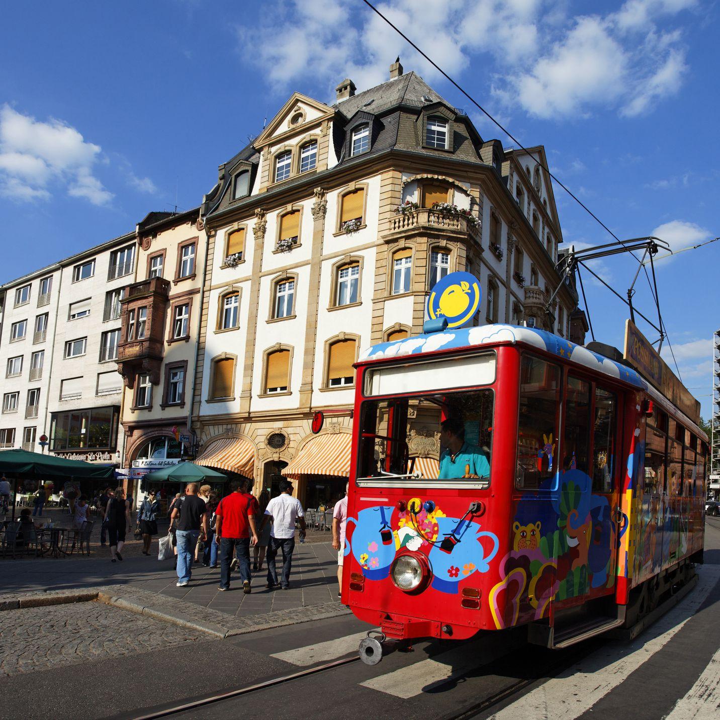 Getting Around Frankfurt: Guide to Public Transportation