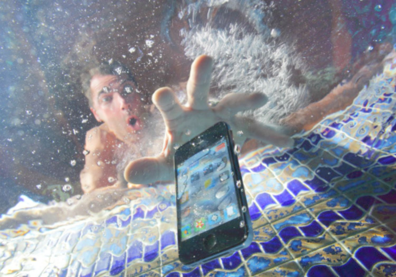 How to Save Your Smartphone If It Gets Wet
