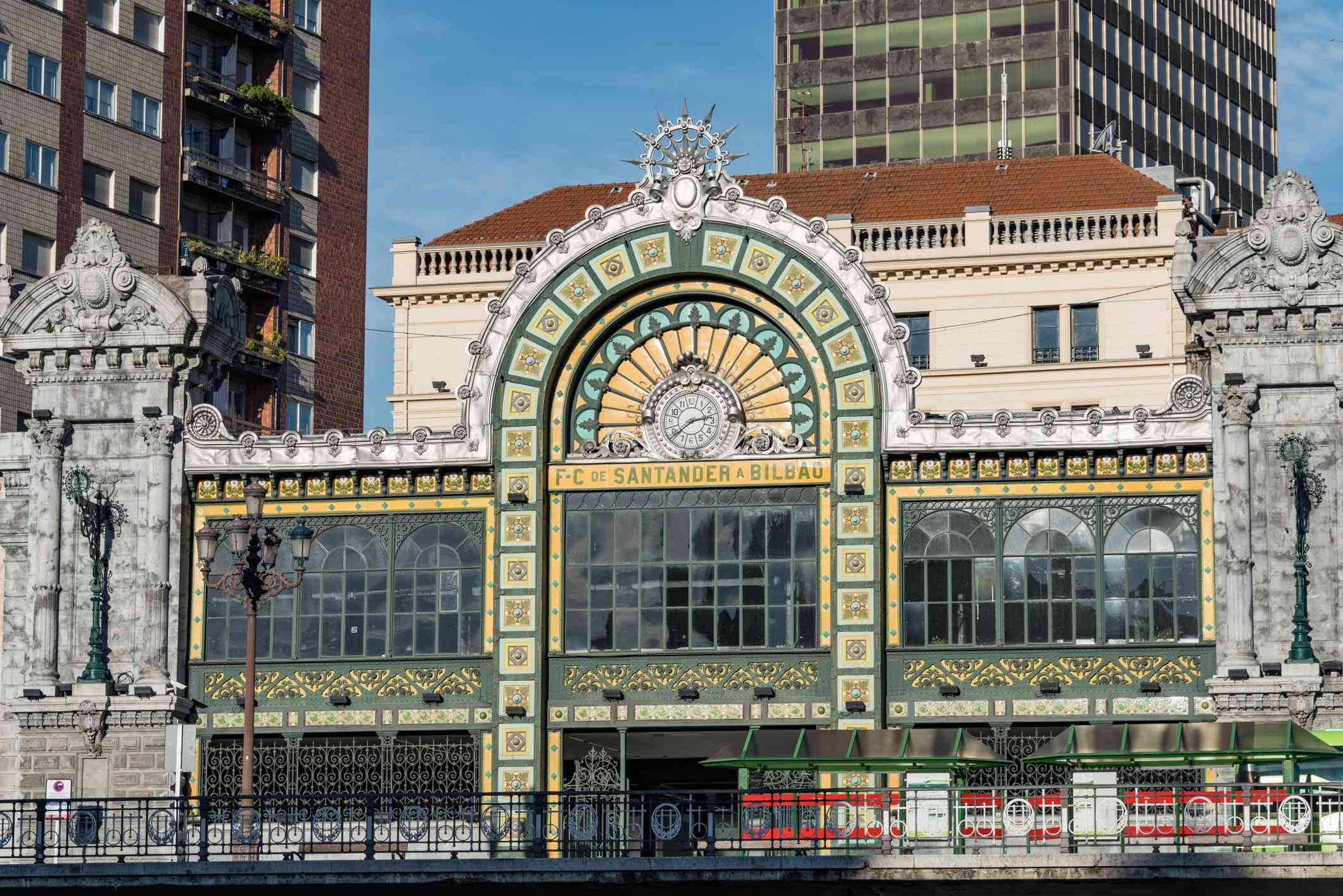 Bilbao Santander station, Bilbao Concordia station