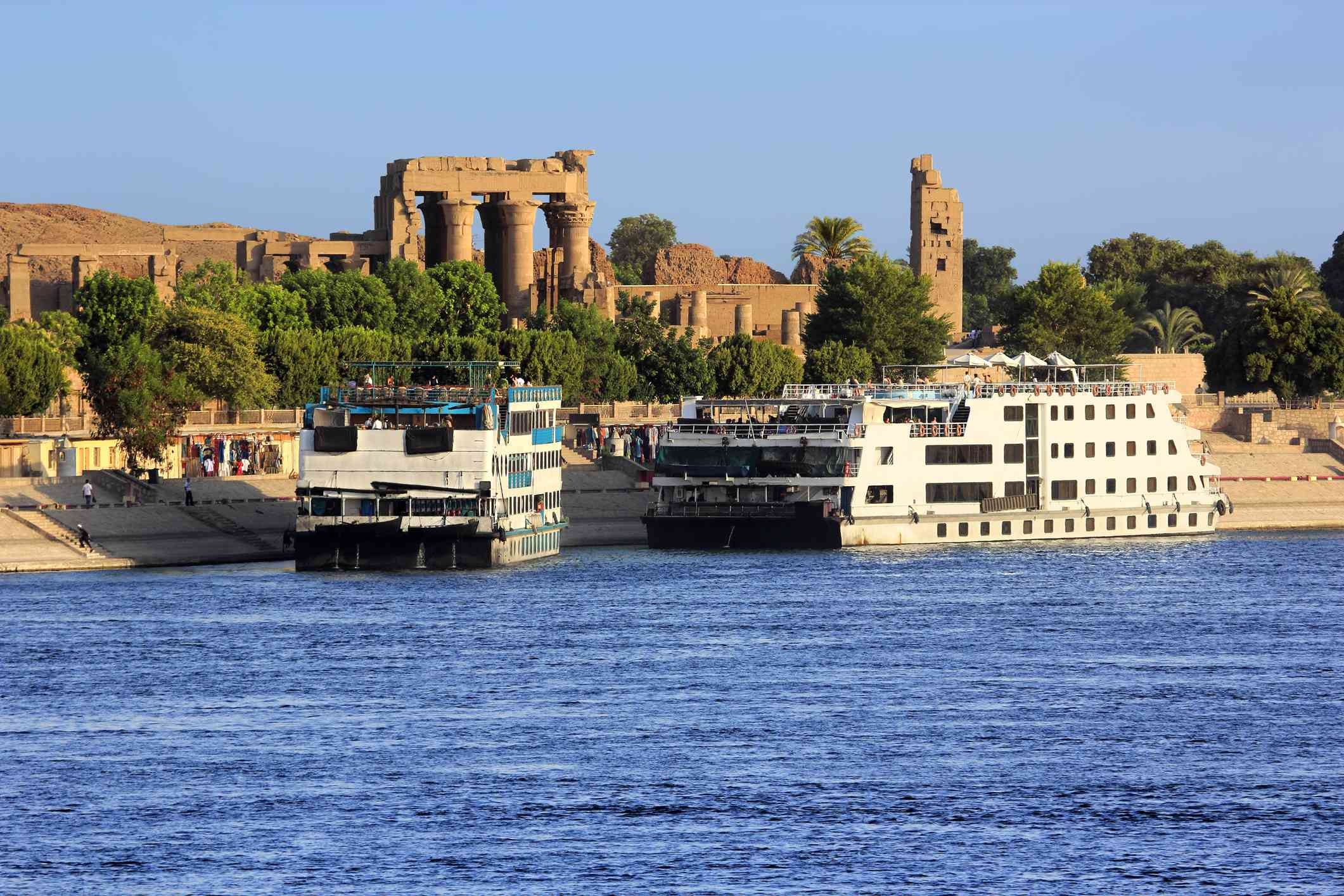 Nile cruise ships in front of the Temple of Kom Ombo