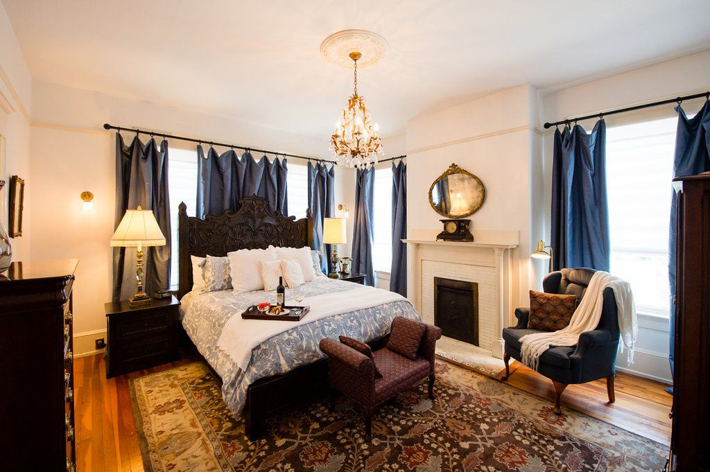 Hoyt House Bed & Breakfast