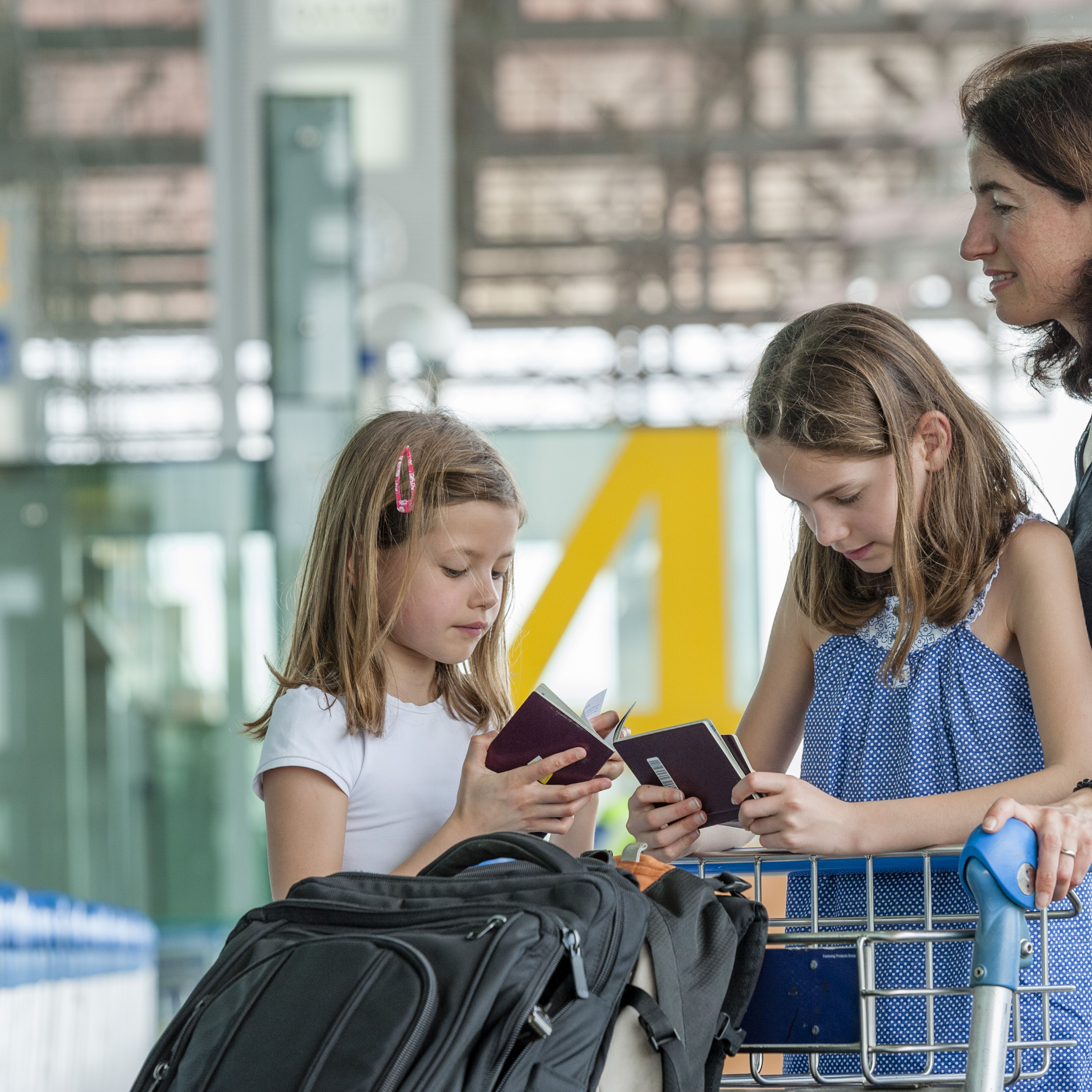 What Single Parents Need to Know About Kids Passport Rules