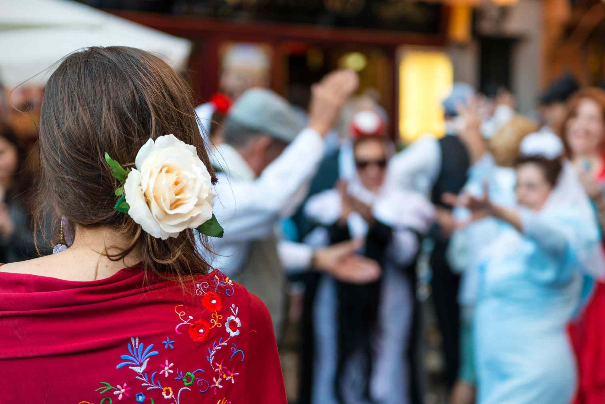 Hispanic folk dancers
