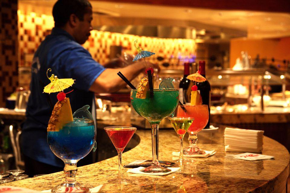 Cócteles en Carnival World Buffet, Hotel Rio.