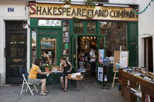 Shakespeare and Company: one of the best independent bookstores in Paris.