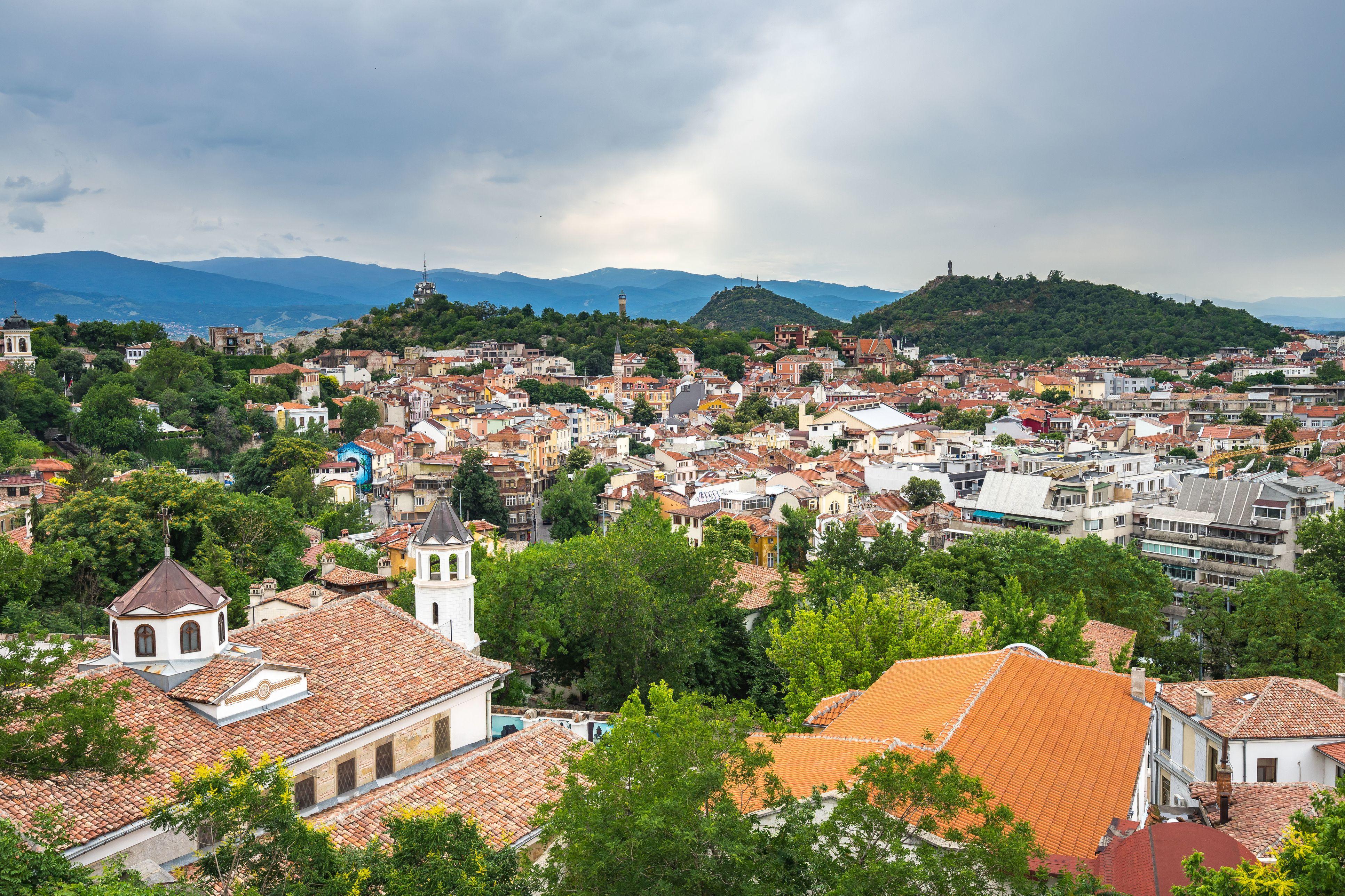 Vista de ángulo alto de casas en la ciudad contra el cielo