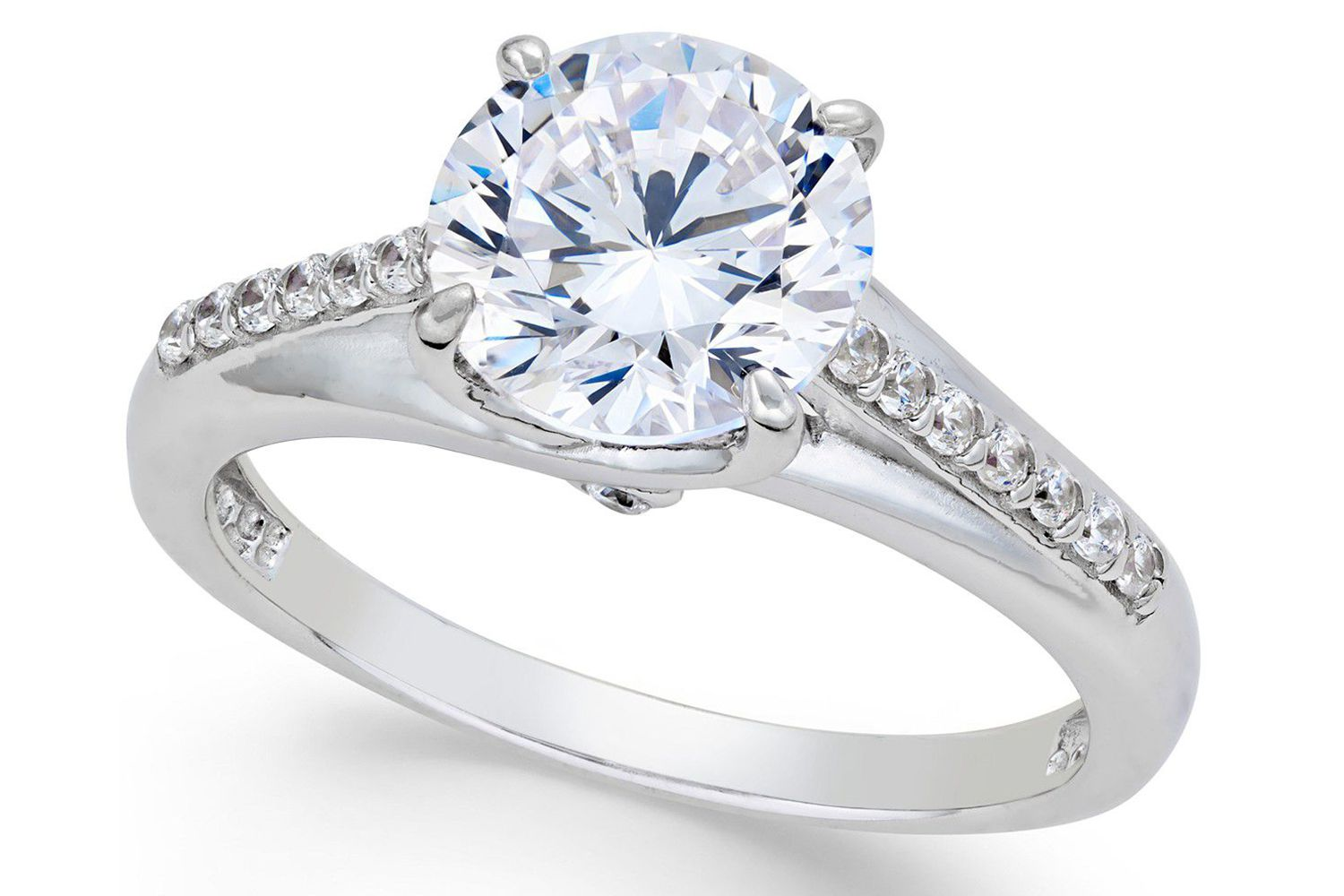 The 9 Best Fake Engagement Rings For Travel In 2020