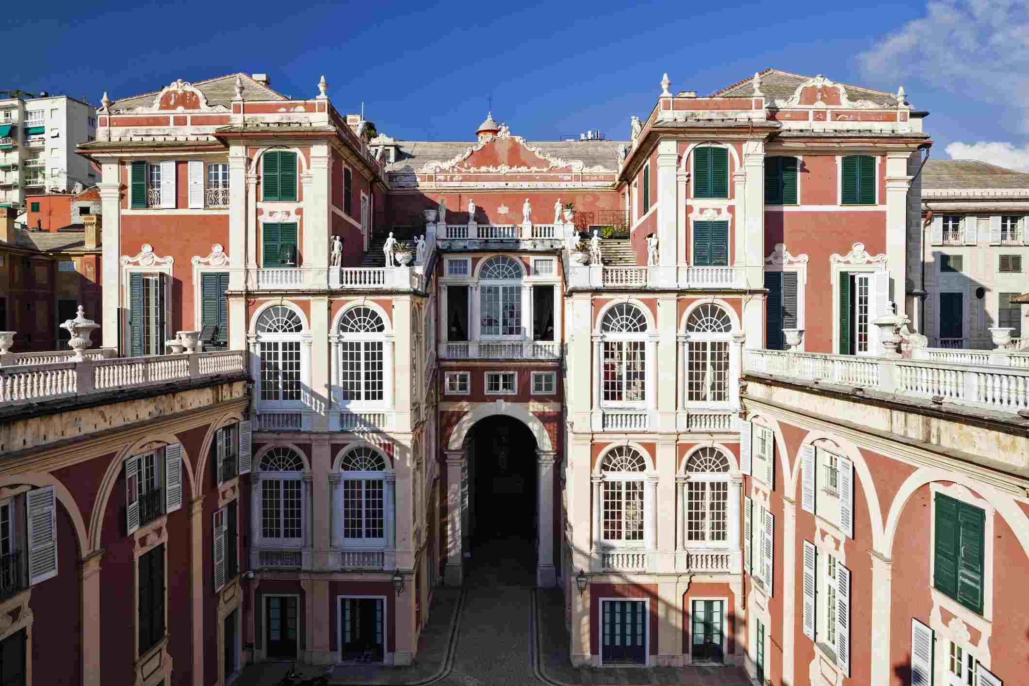 Una vista exterior de la azotea del Palacio Real, en Génova