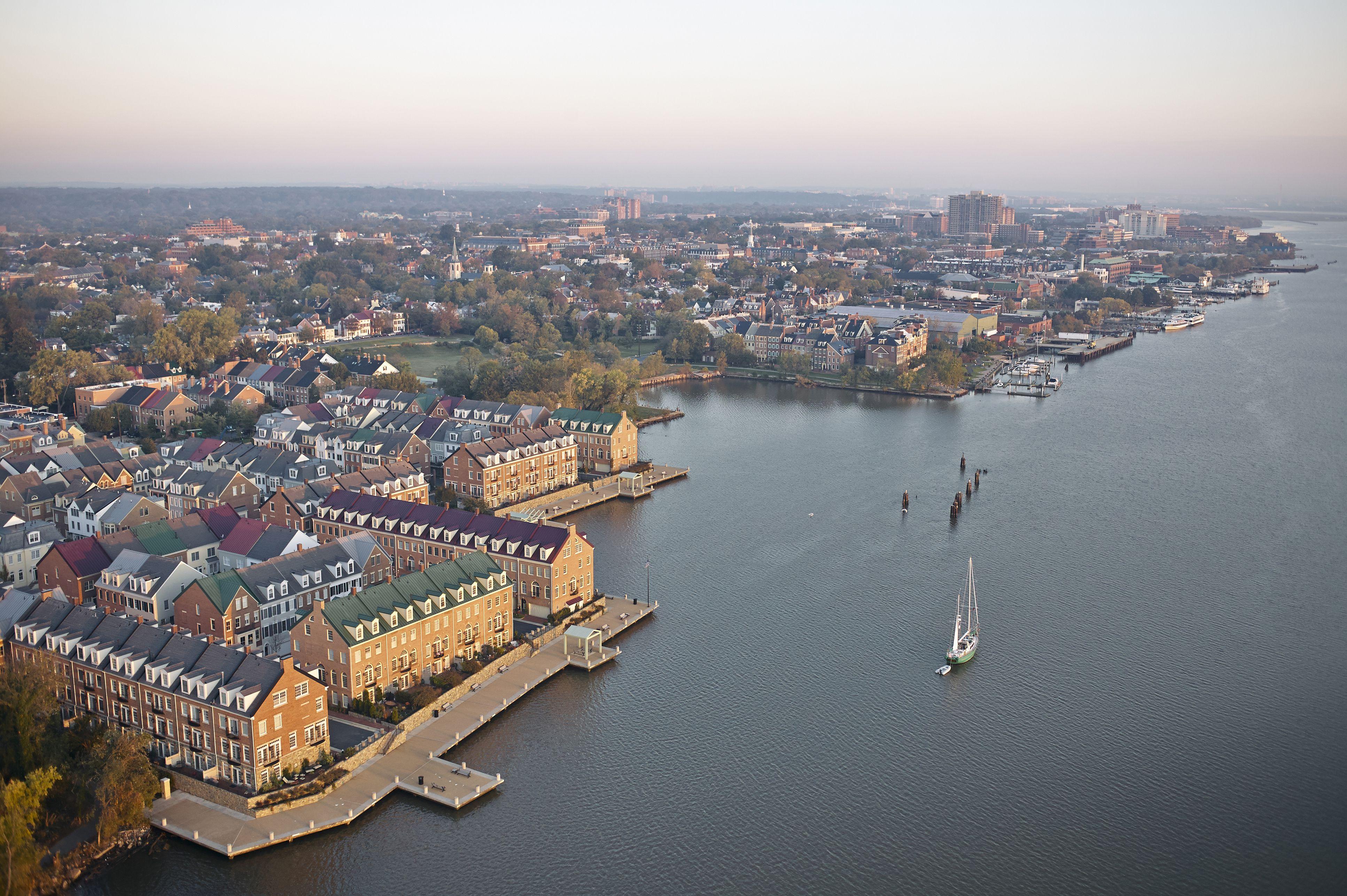 Virginia, Alexandria, Aerial photograph at sunrise of Fords Landing