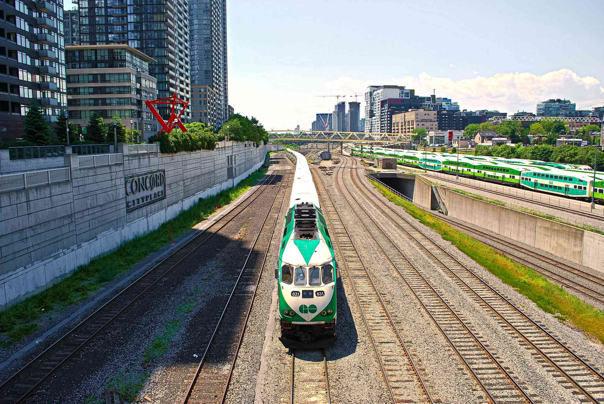 The GO Train approaching station