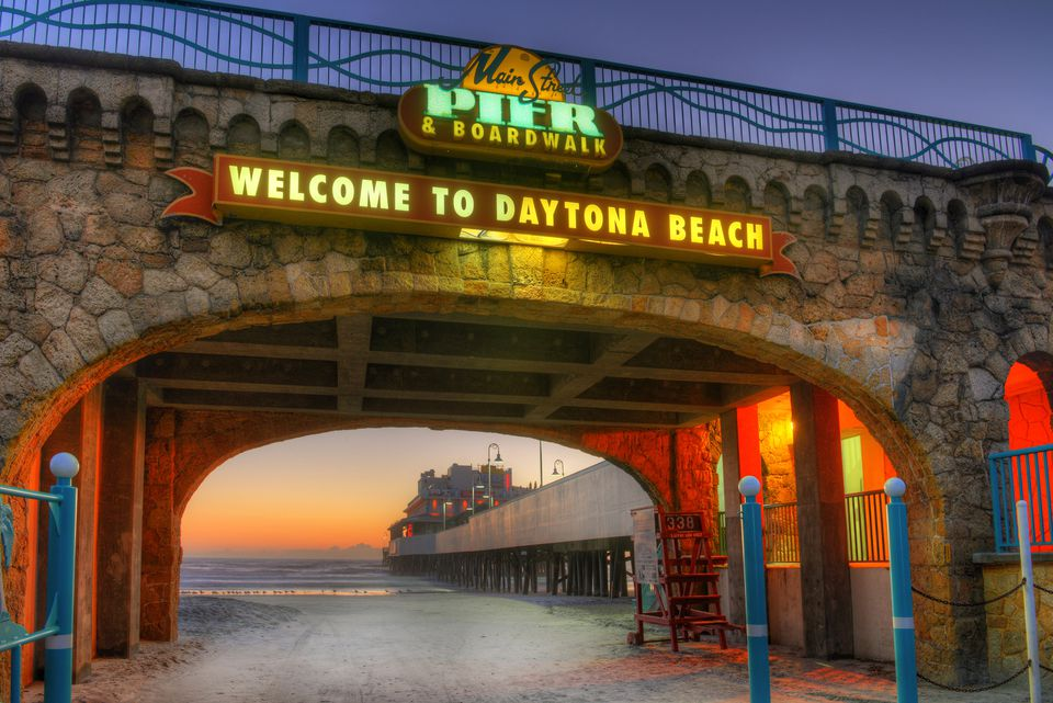 Daytona Beach S Main Street Pier And Boardwalk Entrance