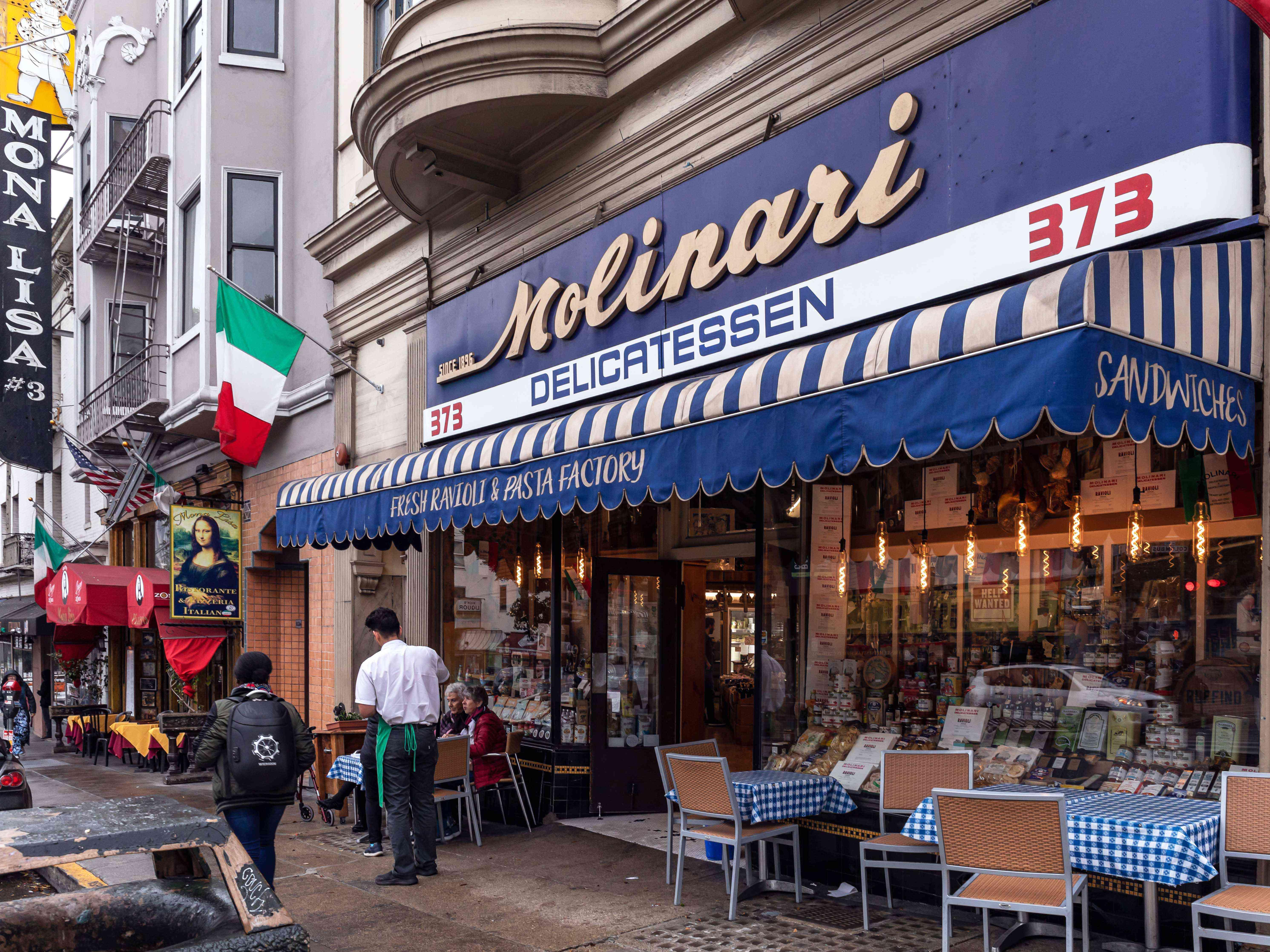A traditional Italian restaurant on Columbus Ave