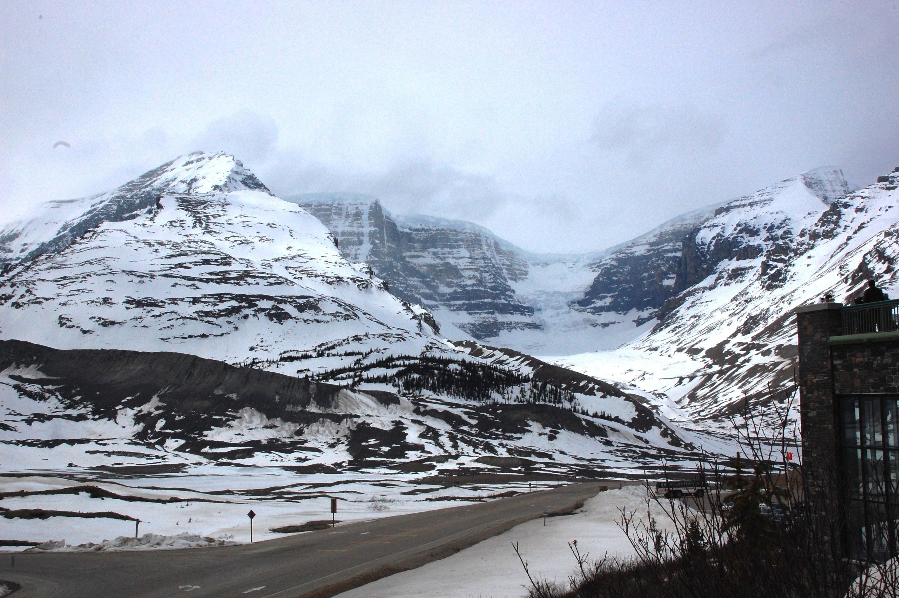 Snowy peaks surrounding the Icefields Parkway