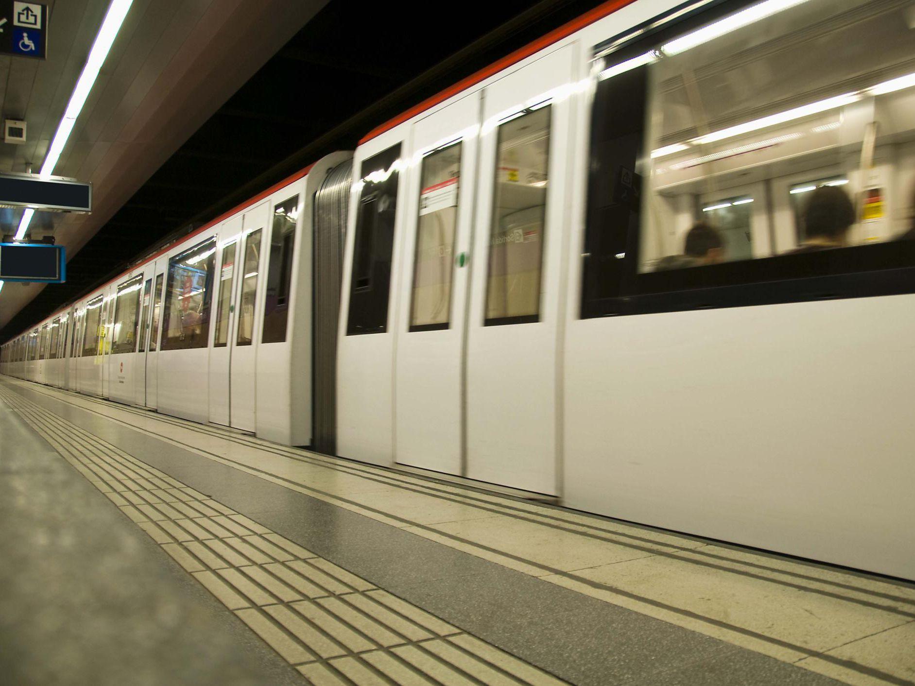 Tips for Using the Barcelona Metro