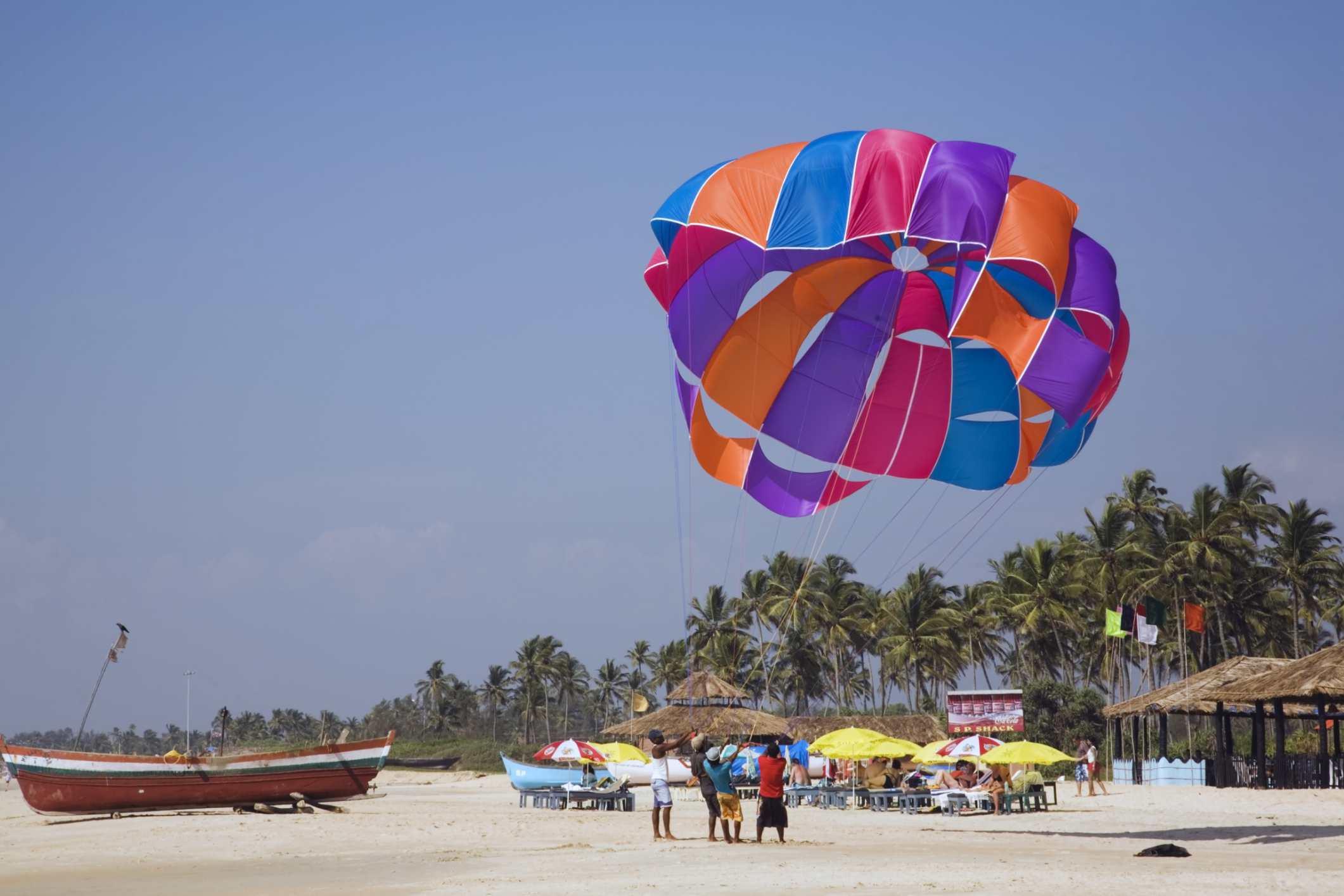 Para sailing at Goa.