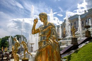 Golden statues with fountains at peterhof
