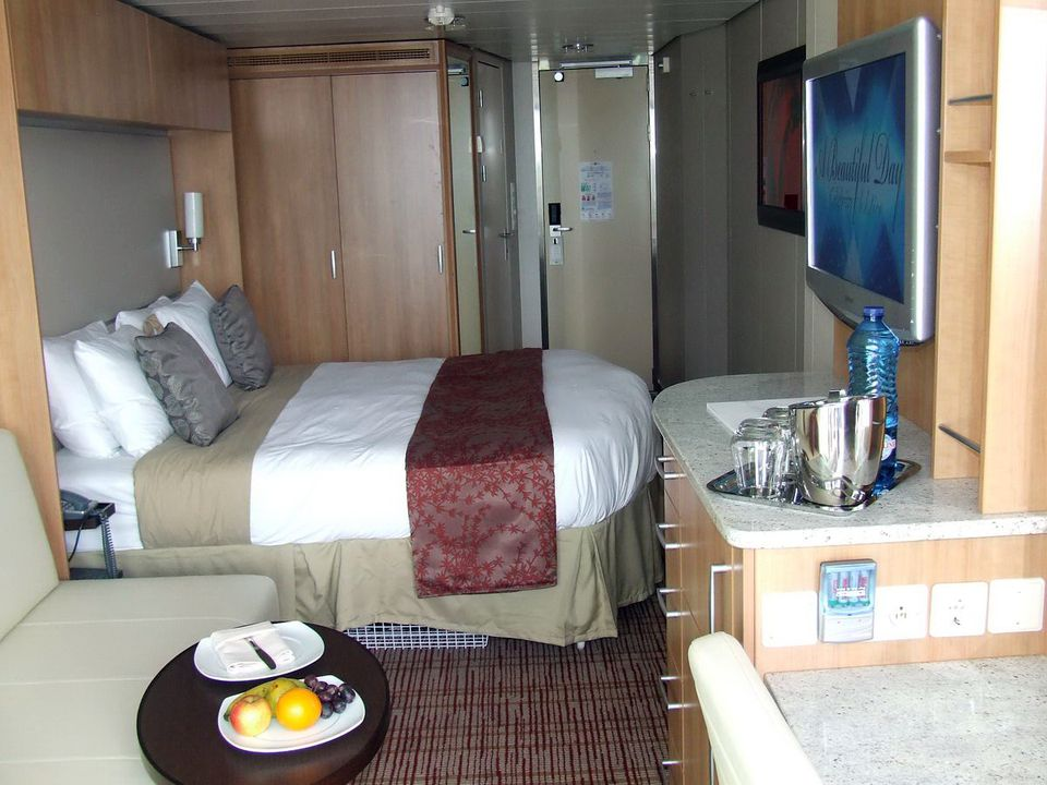 Celebrity Suite Review On Board The Celebrity Solstice ...