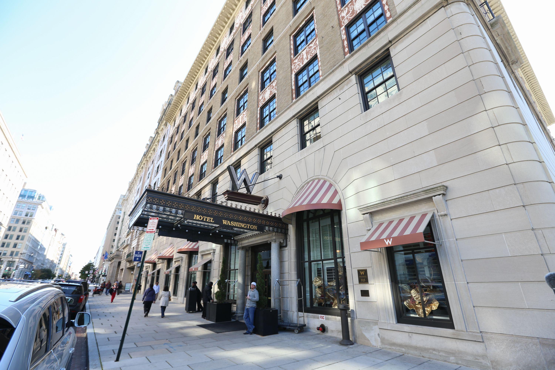 Entrance to the Hotel Washington