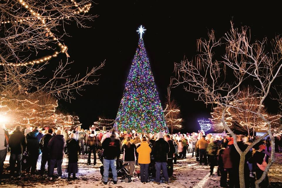 Greenfield Village Christmas.Things To Do With Your Family For Christmas In Detroit
