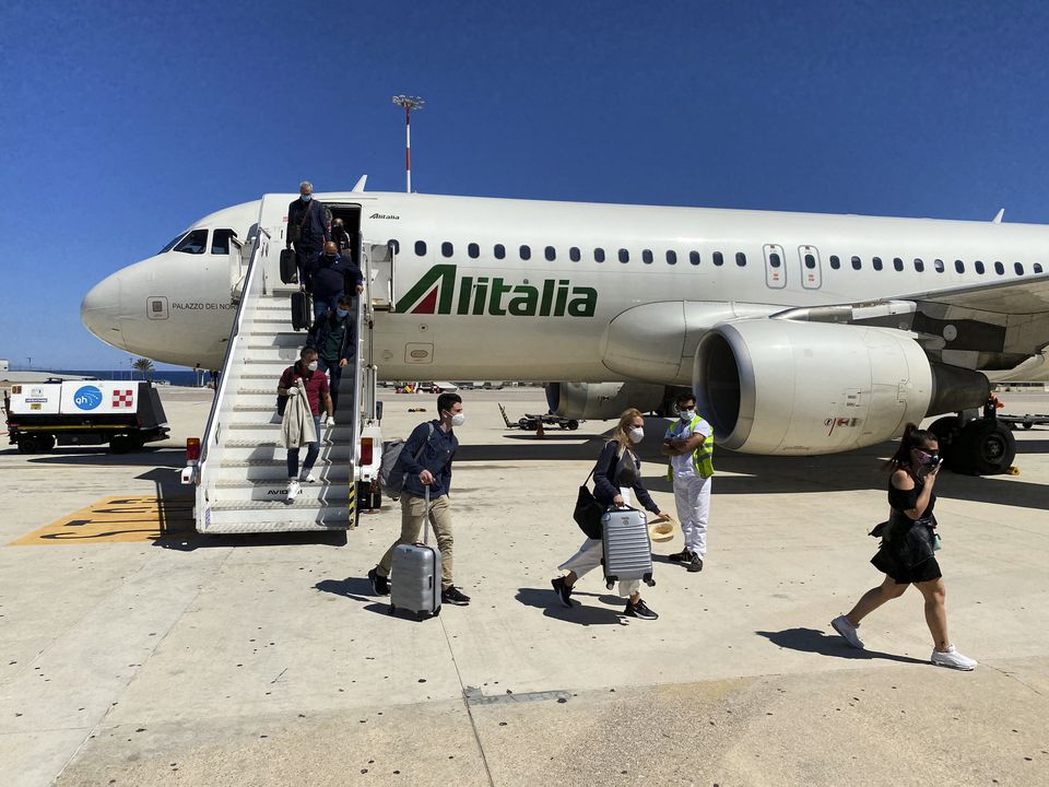 Flight Travel From Milan To Palermo