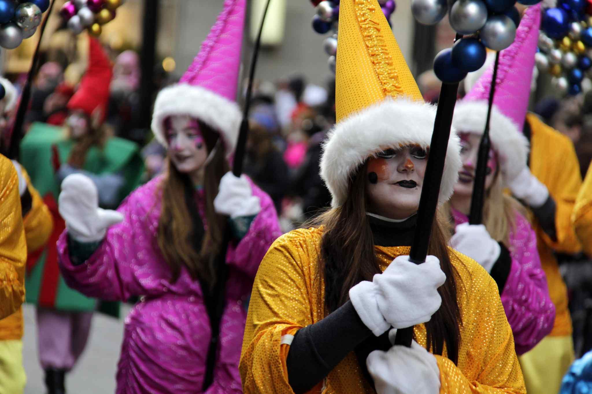Weihnachtsmann-Parade