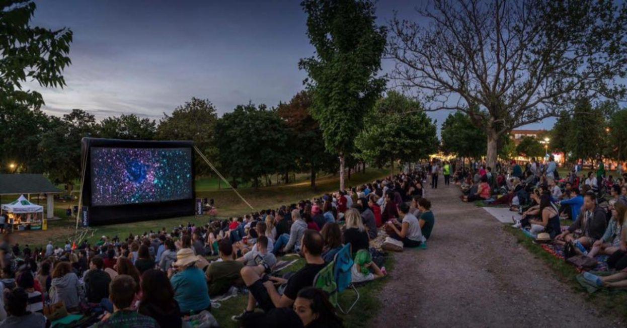 outdoor-movie