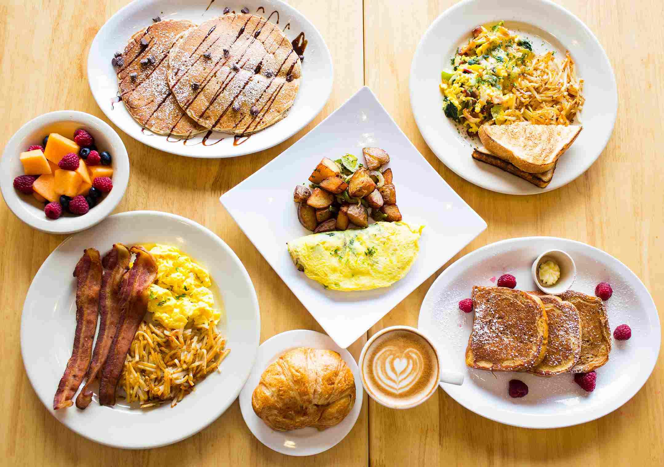 Homeskillet breakfast spread