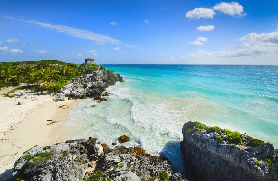 Mexico, Yucatan, Tulum, Beach with ancient Mayan ruins